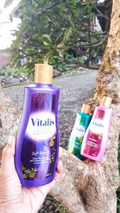 Review Vitalis Body Wash Soft Beauty